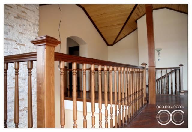 Объект с3 - лестница и балконное ограждение, обшивка столбов.